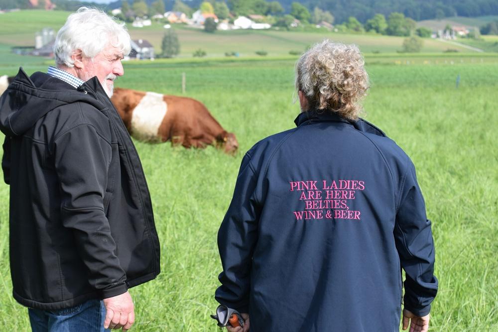 Helene und Heini Keller-Giavanon mit ihren Belties vom Husemerhof
